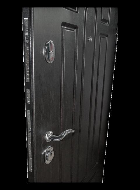 Дверь Эврика венге, замки и наружная МДФ-панель