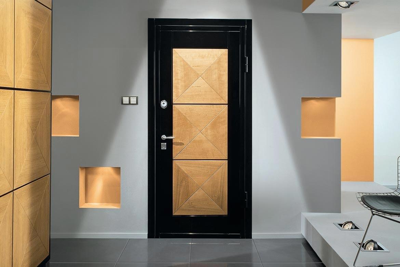 Дерево или железо - какой бывает современная входная дверь?