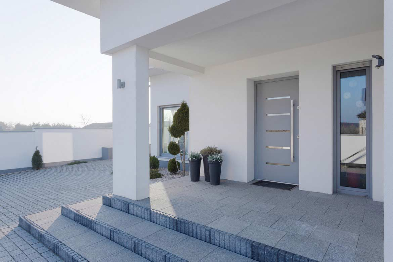 Металлические двери – современная защита вашего дома